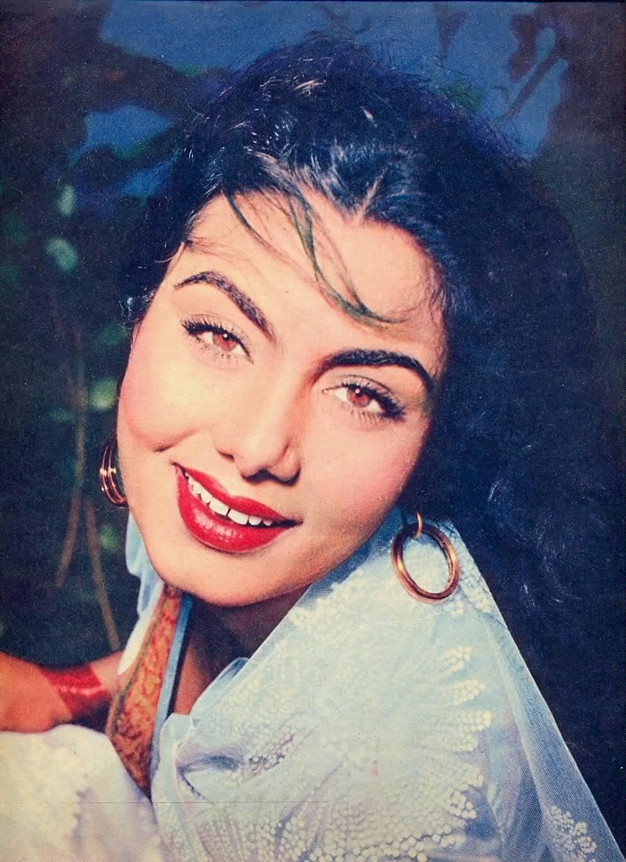 Various Photographs Of Hindi Movie Actress Nimmi - 1940-50 -6075