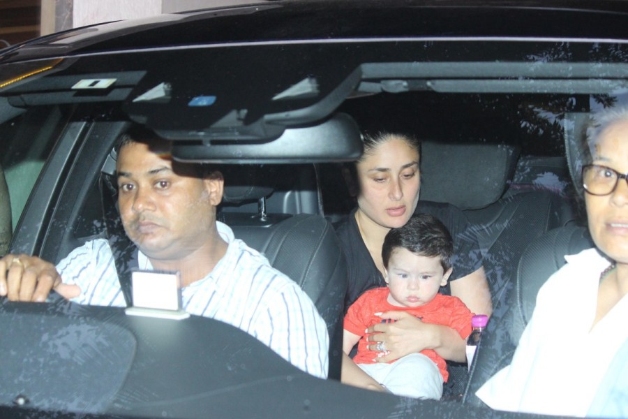 Kareena Kapoor Spotted with His Son Taimur at Babita's House