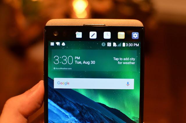 LG V30 có thể sẽ loại bỏ màn hình phụ?