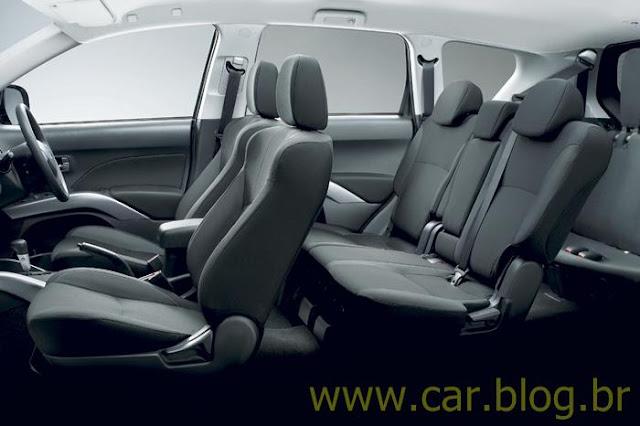 Mitsubishi Outlander 2.0L 2012 - interior
