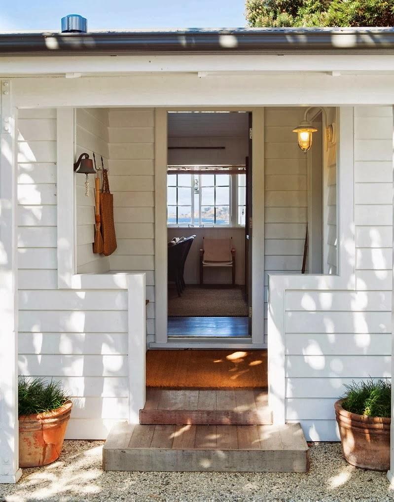 Domek przy plaży w Nowej Zelandii, wystrój wnętrz, wnętrza, urządzanie domu, dekoracje wnętrz, aranżacja wnętrz, inspiracje wnętrz,interior design , dom i wnętrze, aranżacja mieszkania, modne wnętrza, domek wakacyjny