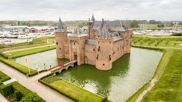 Informações sobre o Castelo Muiderslot em Amsterdã
