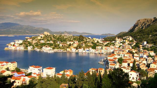гавань острова Кастелоризо