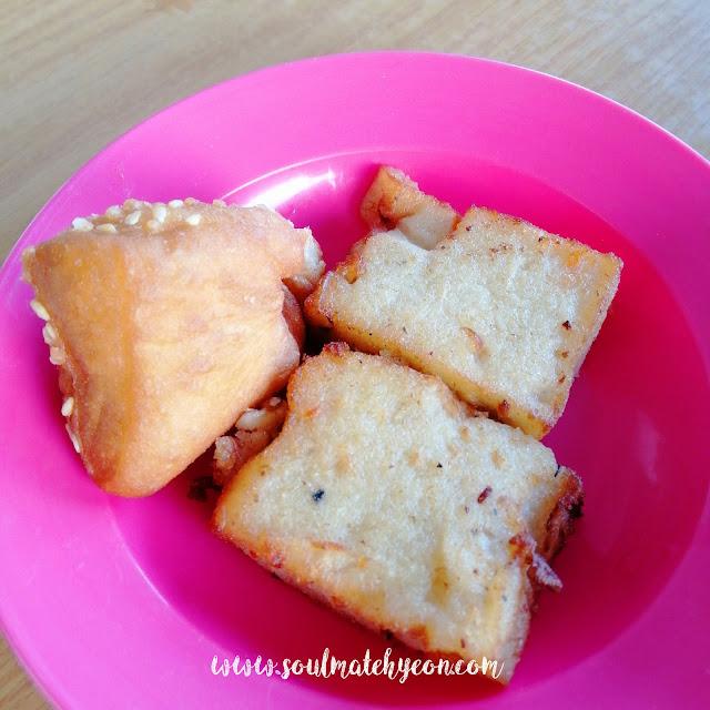 芝麻包和萝卜糕; Gen2Gen 代代香传飲食坊, Miri
