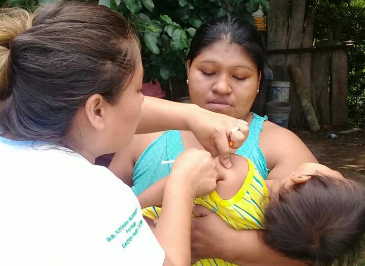 Salud emprendió vacunación gratuita en Santa Cruz / MINISTERIO DE SALUD