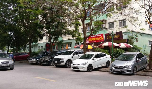 Giải tỏa bãi đỗ xe ở Linh Đàm và Kim Văn Kim Lũ - Ảnh 12