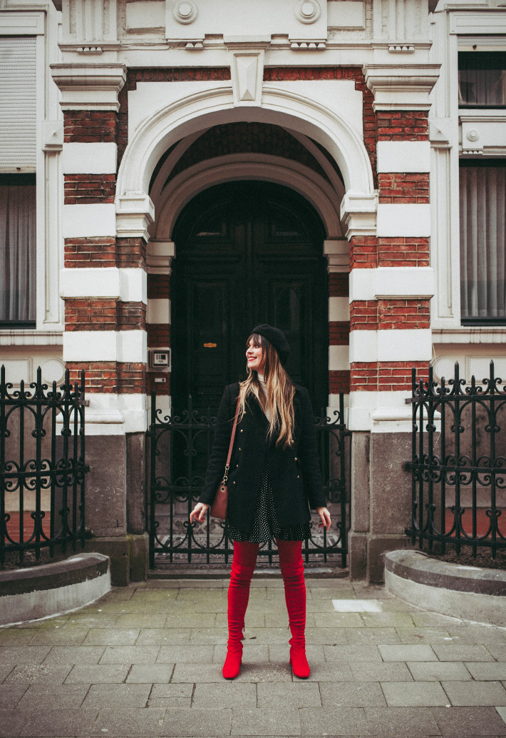 Outfit: parisian inspired in beret, red tights and boots