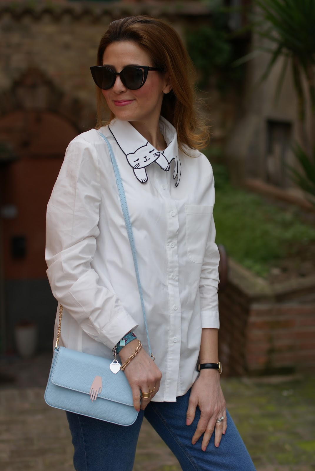 White cat collar shirt, Lazzari store borsa on Fashion and Cookies fashion blog, fashion blogger style