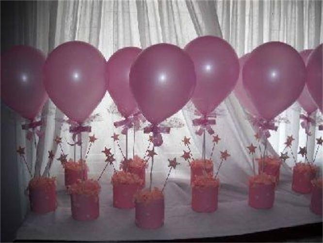 Como usar un solo globo para hacer un centro de mesa - Centros de mesa con globos ...
