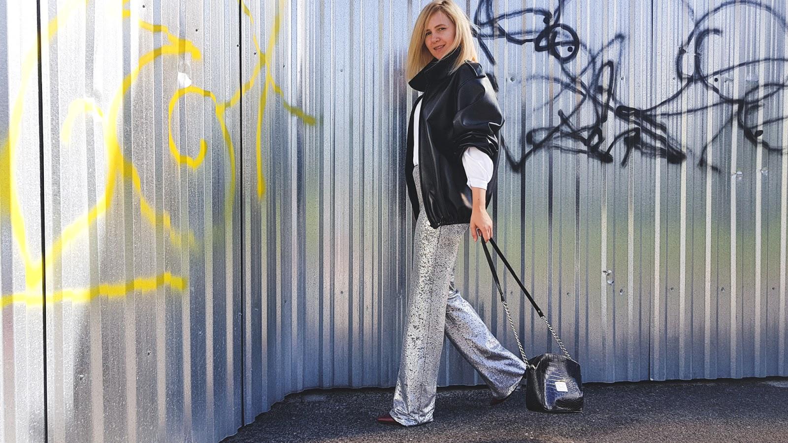 srebrne spodnie; metaliczne; silver pants; silver trend; cekinowe spodnie; sequins; sequins pants