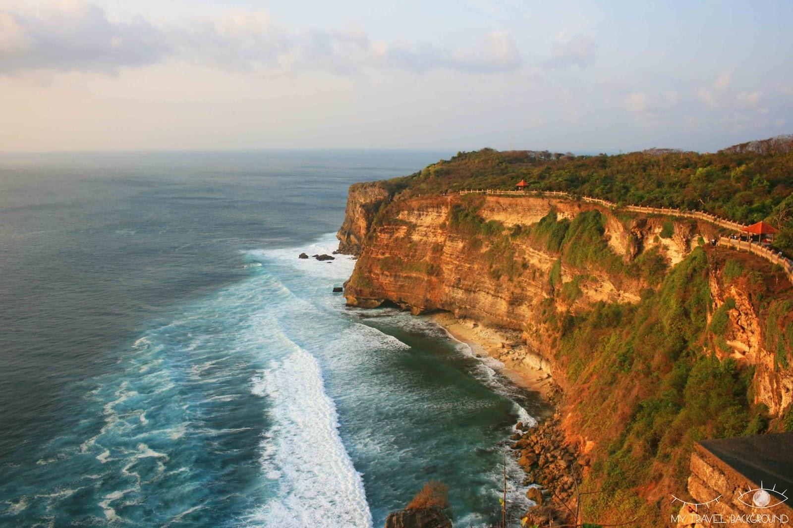 My Travel Background : A la découverte de Kuta et du Sud de Bali - Depuis les falaises d'Uluwatu