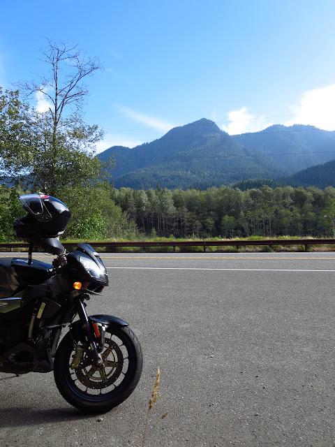 Aprilia Tuono Cascade Mountains Washington