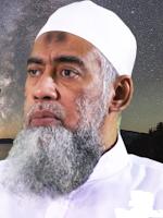 Ustadz Yazid bin Abdul Qadir Jawas adalah mubalig di Indonesia yang dikenal sangat perhati Biografi Ustadz Yazid bin Abdul Qadir Jawas