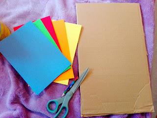 Kolorowa tablica i kostka. Nauka kolorów poprzez zabawę.