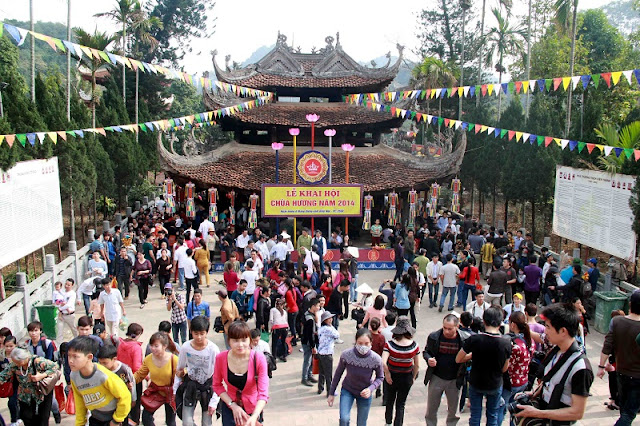 Huong pagoda - attractive spiritual and landscape tourism site 8