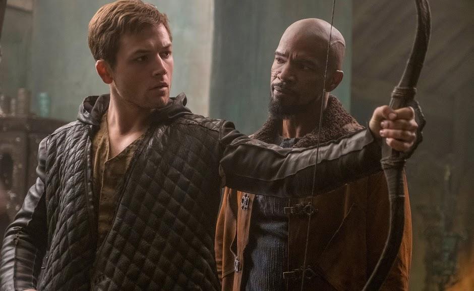 """Taron Egerton e Jamie Foxx aparecem em imagens inéditas de """"Robin Hood"""""""