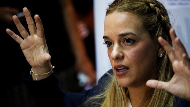 """¿Por qué la """"dictadura"""" le prohibió salir del país a Lilian Tintori?"""