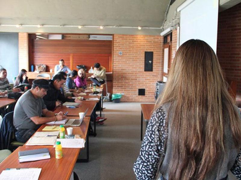 Diplomado de Fenansibancol con la UNAL sobre Economía Política