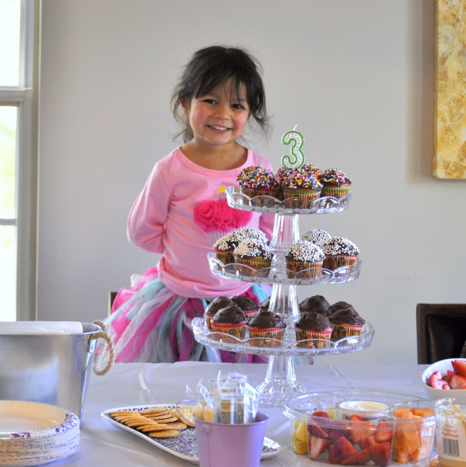 Cupcakes-for-Third-Birthday-tasteasyougo.com