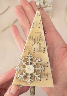 http://decoart.com/mixedmediablog/article/165/oh_christmas_tree