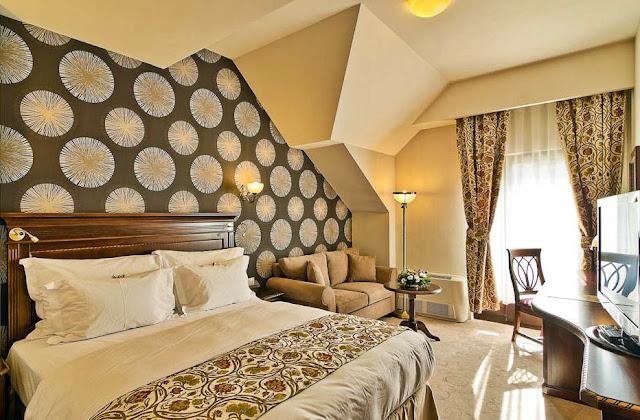 imagini camere cazare hotel 4 stele cavaler sighisoara