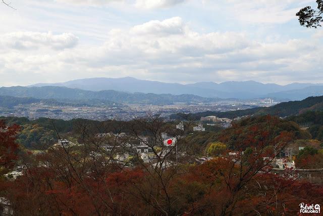 竈門神社から見た太宰府の斜め