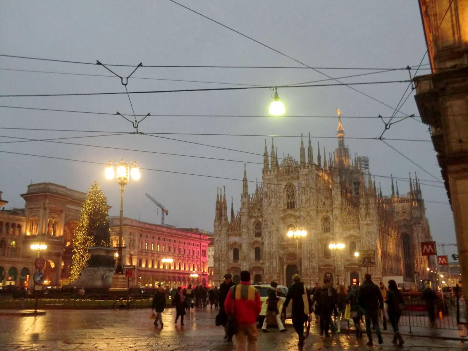 Milano Decorazioni Natalizie.Stylebunny Buon Natale Da Milano Happy Christmas From Milan