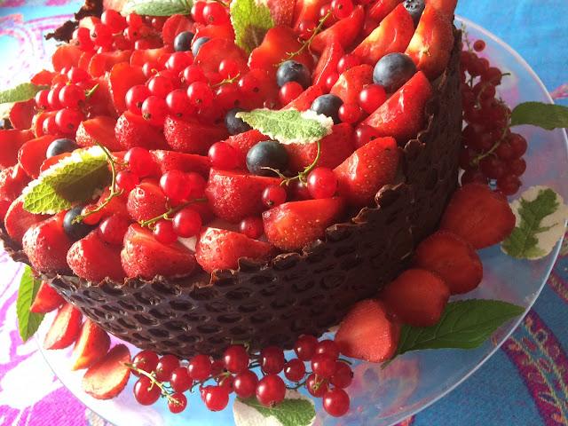 tort z folia babelkowa
