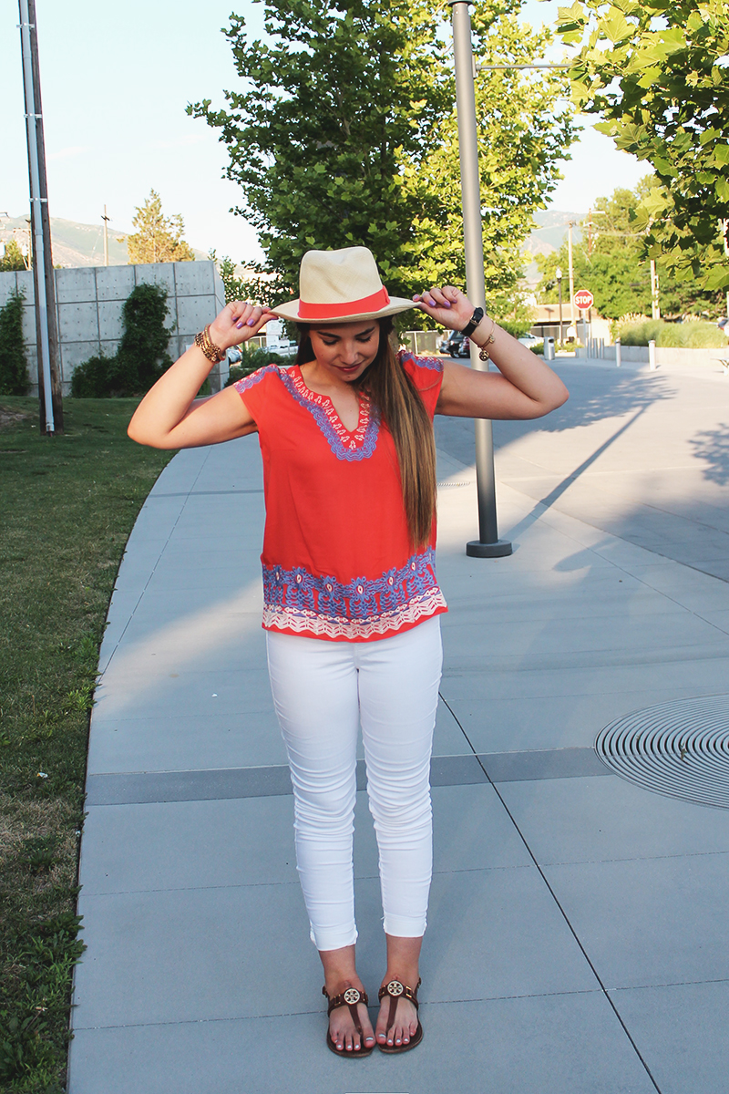 resort wear, white pants, fedora for summer