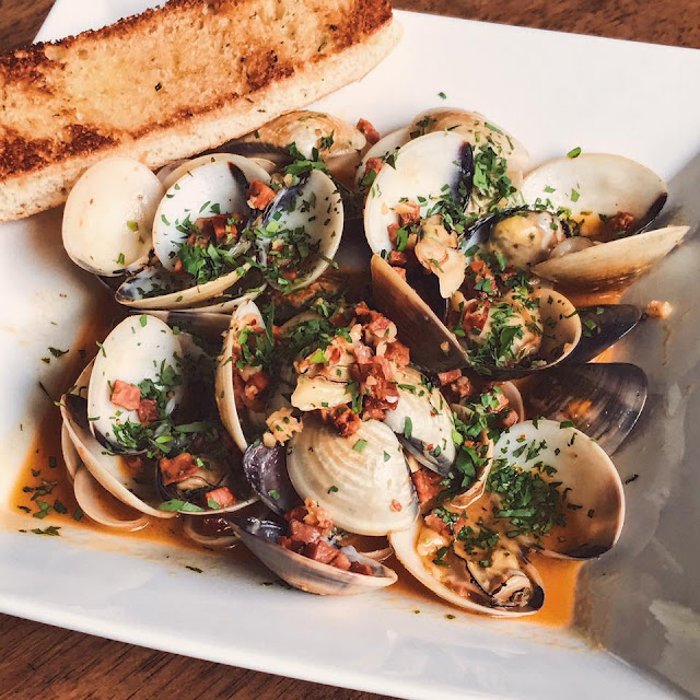 Stam clams in chorizo broth