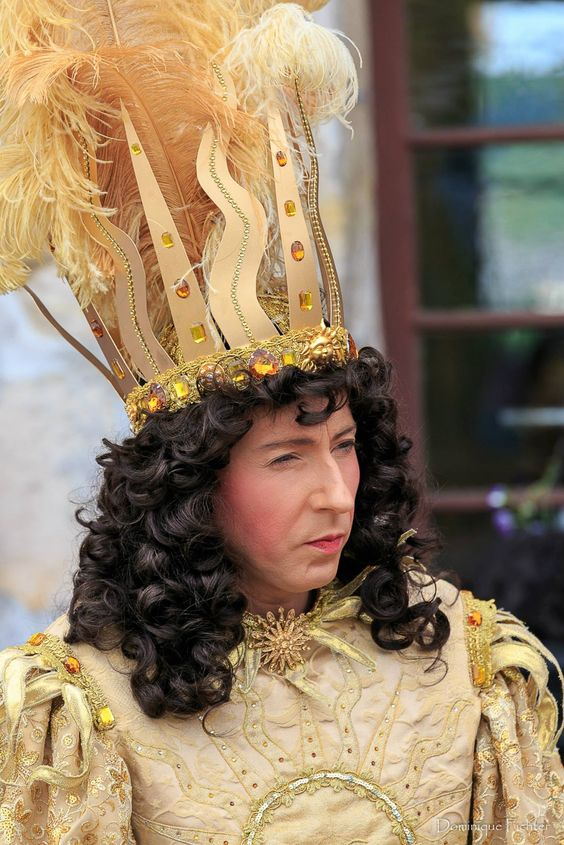 Actor dressed as Louis XIV the Sun King in the Ballet of the night. Importance of Pirouettes. marchmatron.com