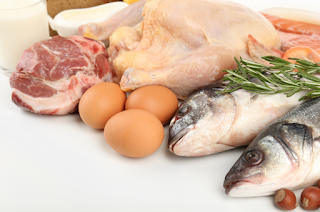 Between Chickens and Fish Which's Healthier to Eat