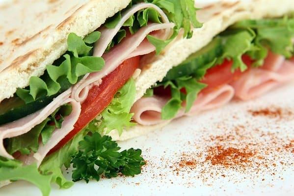 Pão low carb de frigideira, simples (com vídeo)