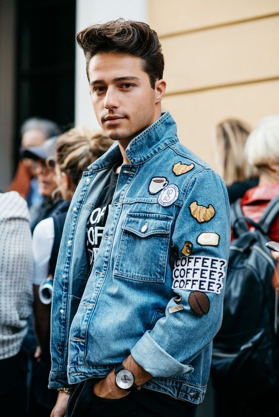 Look Masculino com Jaqueta Jeans com Patches