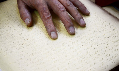 Textos en braille para niños con ceguera