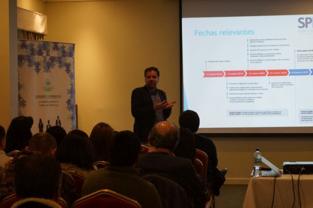 Charla sobre Ley de Pago a 30 días para empresarios en Osorno