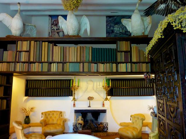 Biblioteca Museo Dali
