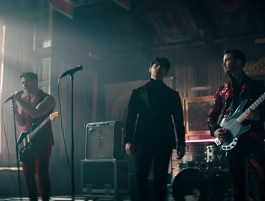 Jonas Brothers no clipe de Sucker