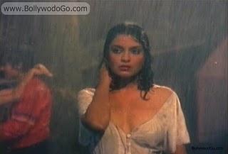 The zeenat aman boob show