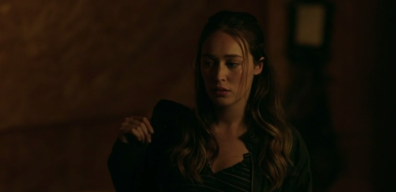 Alicia Clark en el episodio 3x10 The Diviner de Fear The Walking Dead