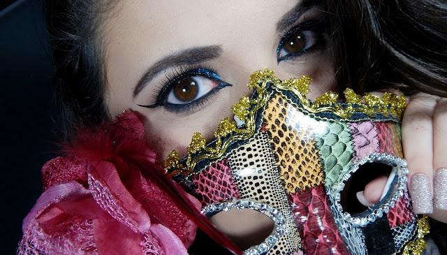 maquiagem-egipcia-azul