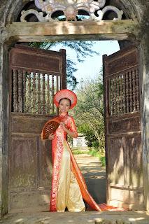 Áo Dài - traje vietnam - traje vietnamita - traje típico vietnam - vestido vietnam