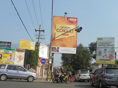 petunjuk arah Wisata Kuliner Olahan Coklat di Kampung Coklat Blitar