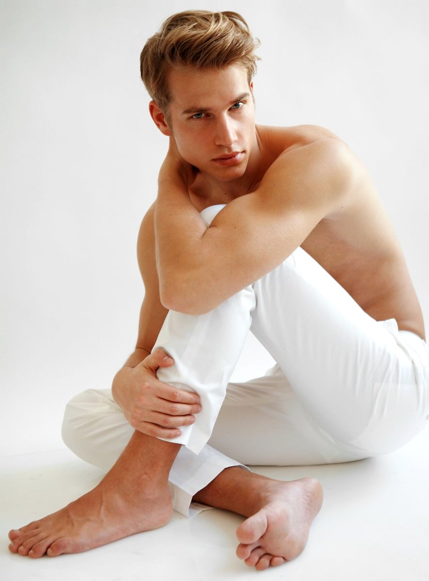 German male model aaron bruckner all personal