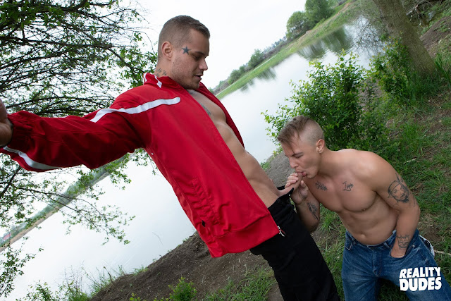 Reality Dudes Network - Dudes In Public 48 - Lakefront - Roman / Ryan Cage
