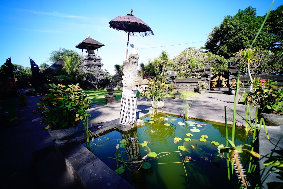 Pura Goa Lawah, bat cave temple in Bali