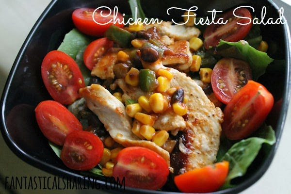 Chicken Fiesta Salad // When you want something different for Taco Tuesday, try this salad with fajita seasoned chicken and veggies! #recipe #salad #chicken
