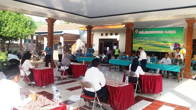 Bati Tuud Koramil 0815/02 Trowulan Kodim 0815 Mojokerto Pelda Abdul Muntholib menghadiri kegiatan seleksi perangkat desa