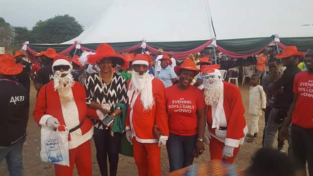 Ondo State governor-elect Akeredolu and his wife throw Christmas party for kids