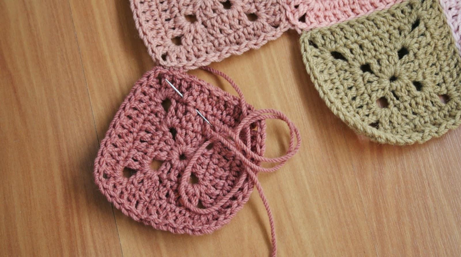 Lãs com Tons  Progresso dos Tapetes para quarto em croché com Lã de ... dc0403cba36